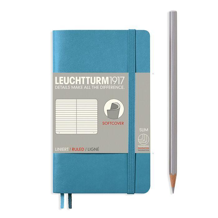 Carnet Pocket (A6), couverture souple, 123 pages numérotées, ligné, nordic blue