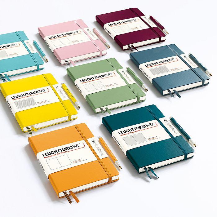 Carnet Composition (B5), couverture souple, 123 pages numérotées, pointillés, anthracite